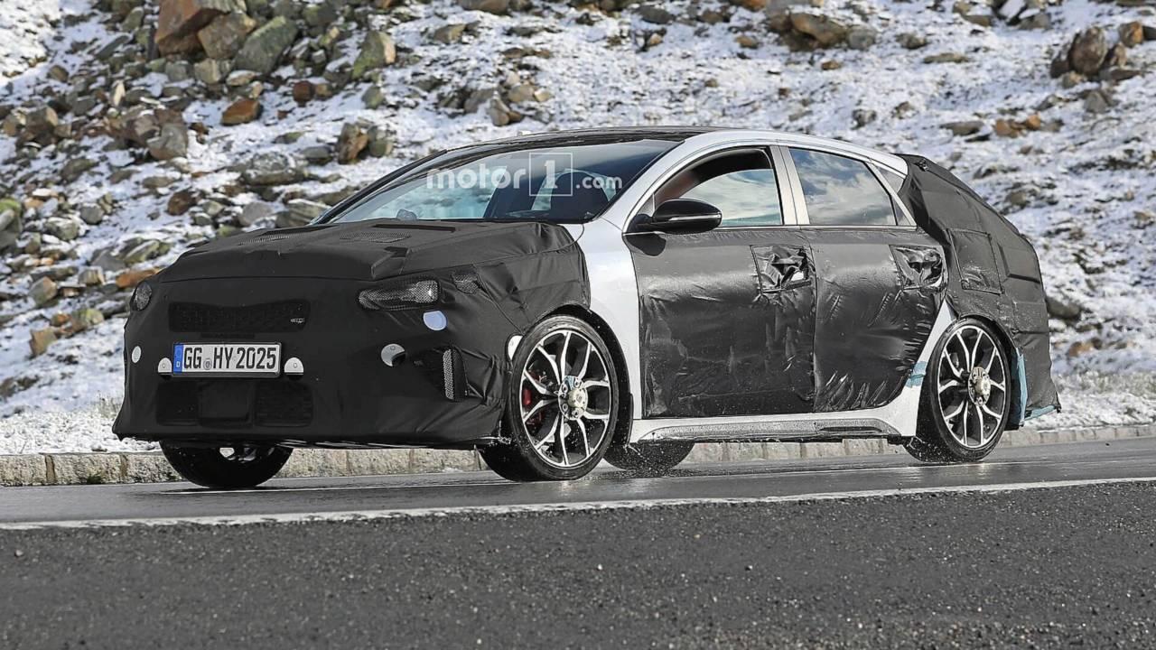 Kia Proceed GT spy photo