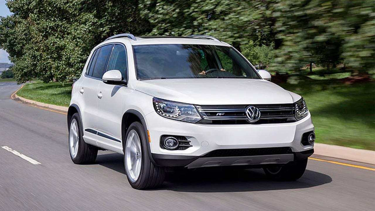 2014 Volkswagen Tiguan cruising
