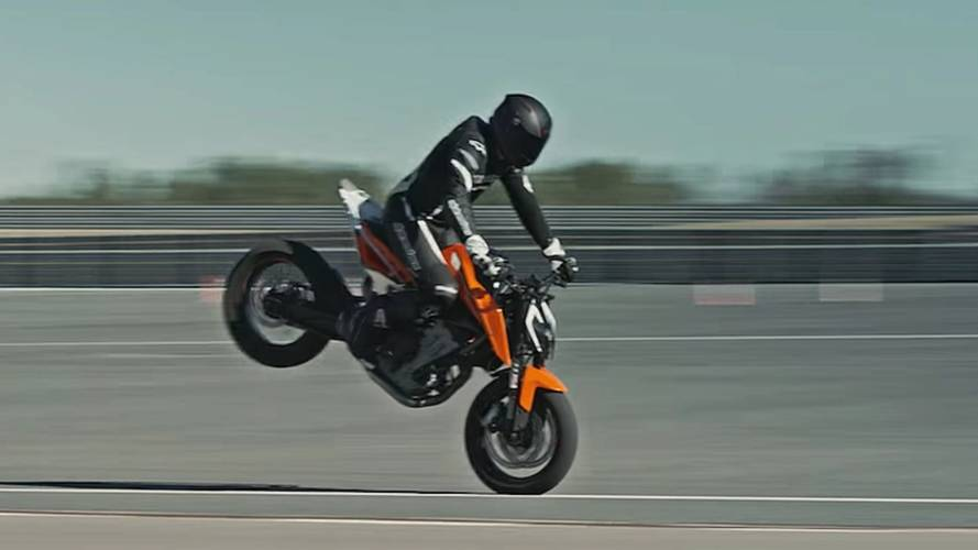 Video of the Day: KTM 790 Duke