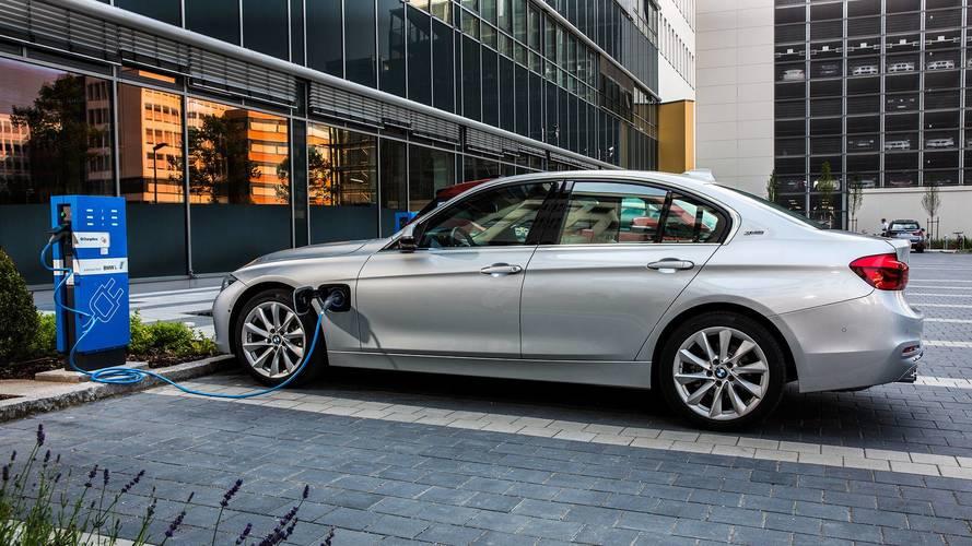 Hibrid technológiára vonatkozó szabadalmi jogsértés miatt beperelték a BMW-t