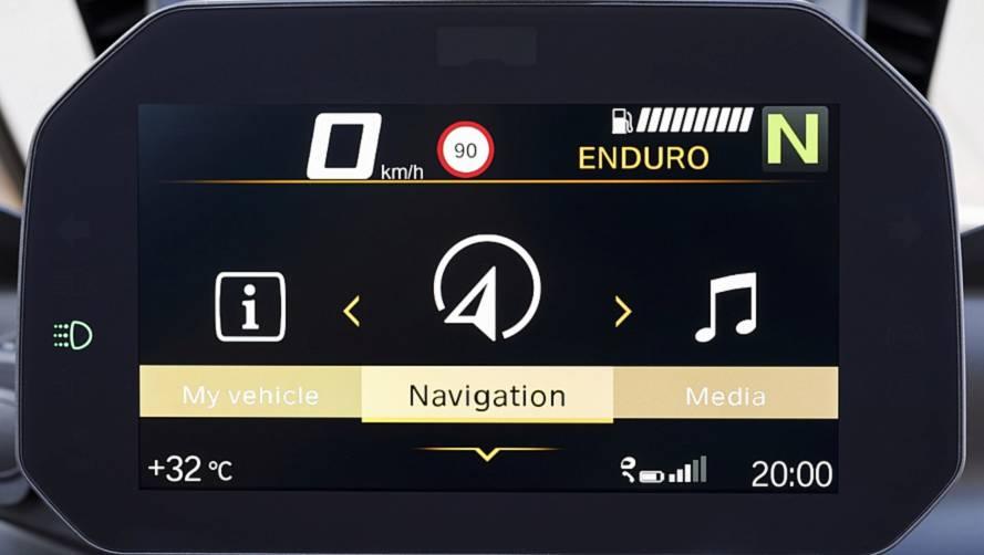 BMW Motorrad lança sistema GPS embutido no painel para motos no Brasil