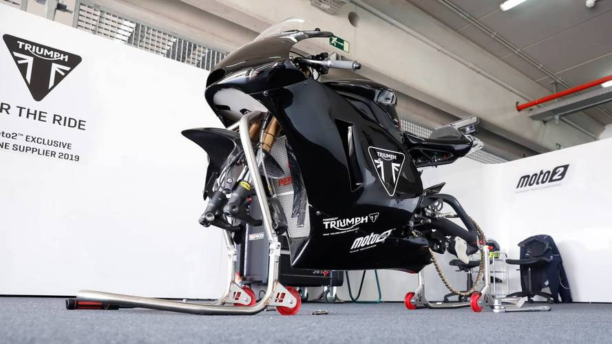 Test de la Triumph de Moto2 con la electrónica Magneti Marelli