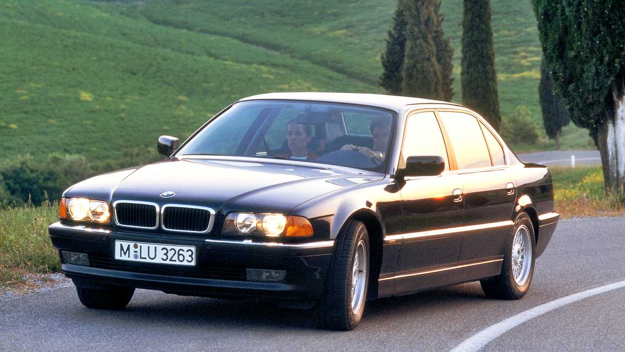 BMW 7-й серии (Е38)