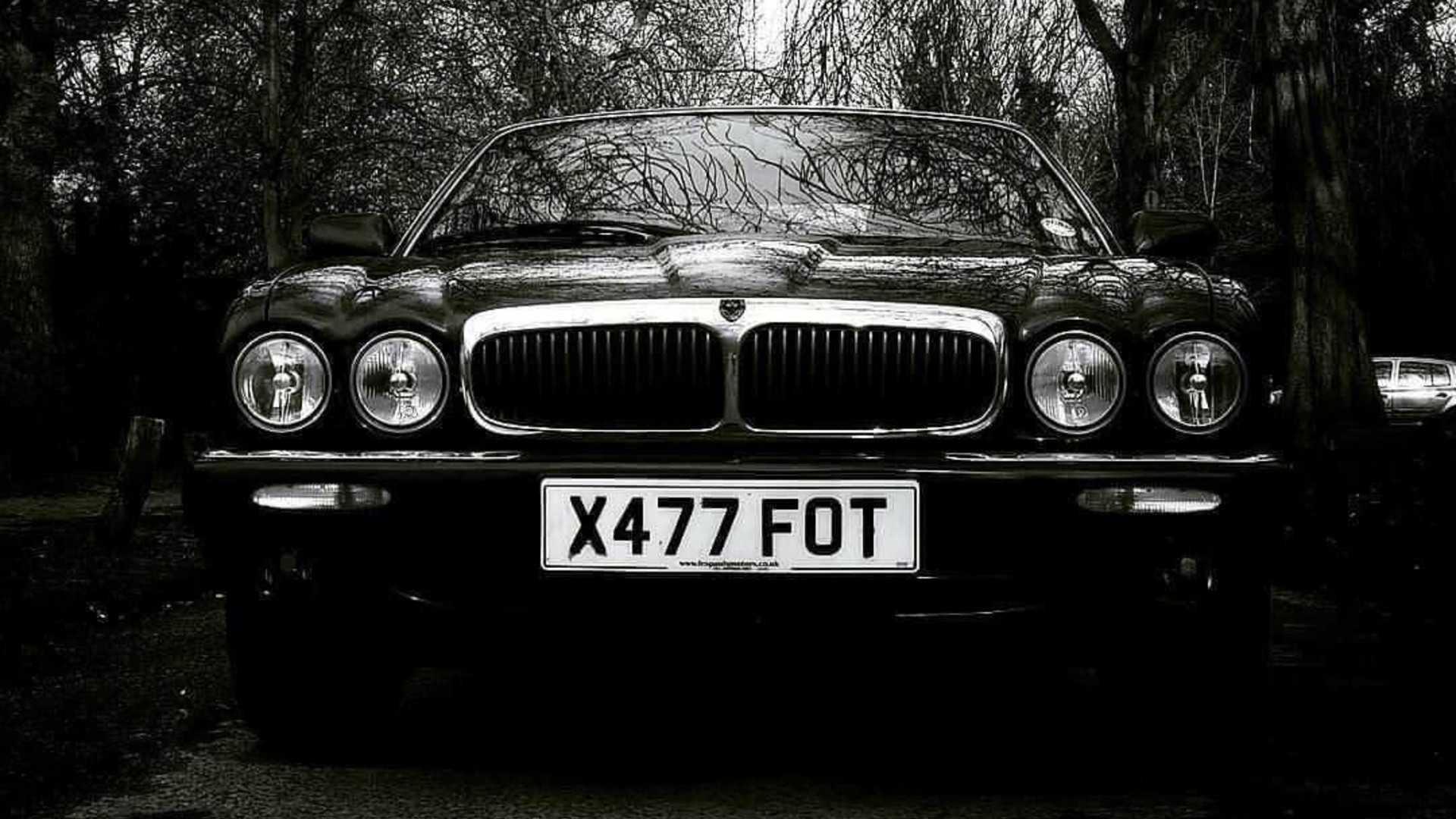 """[""""Jaguar XJ308""""]"""