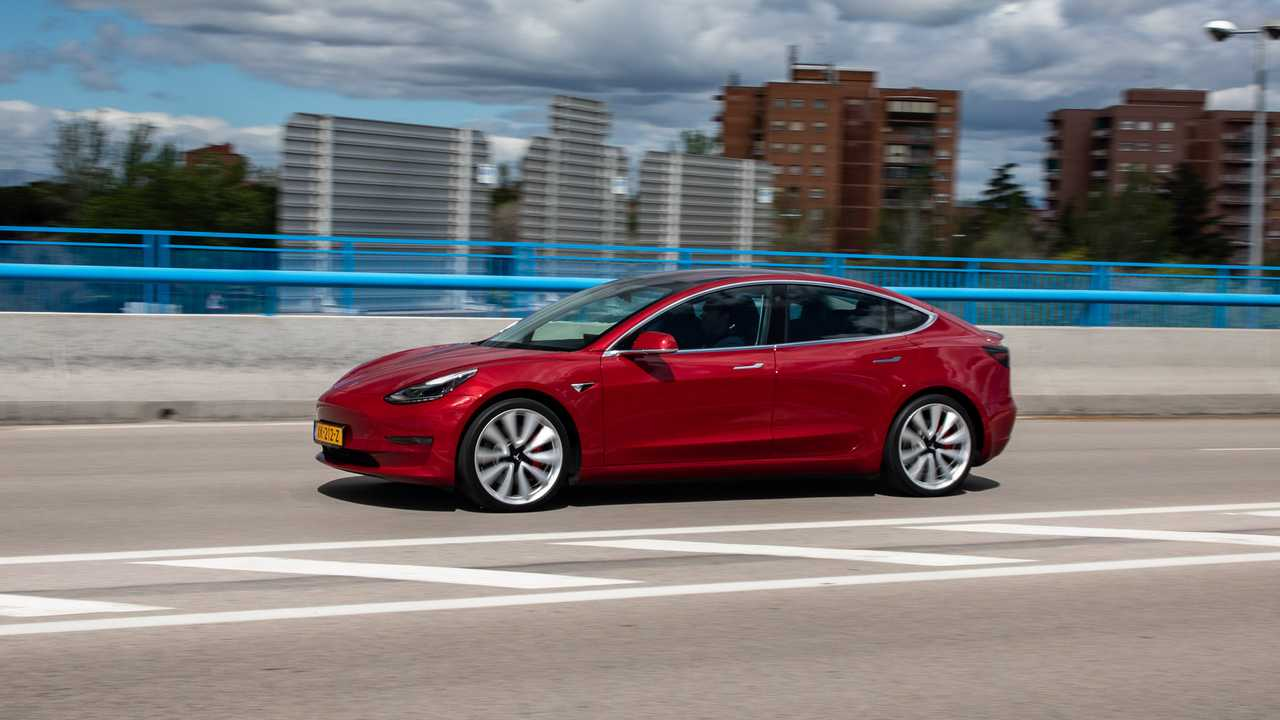 Tesla Model 3 Performance (2019)