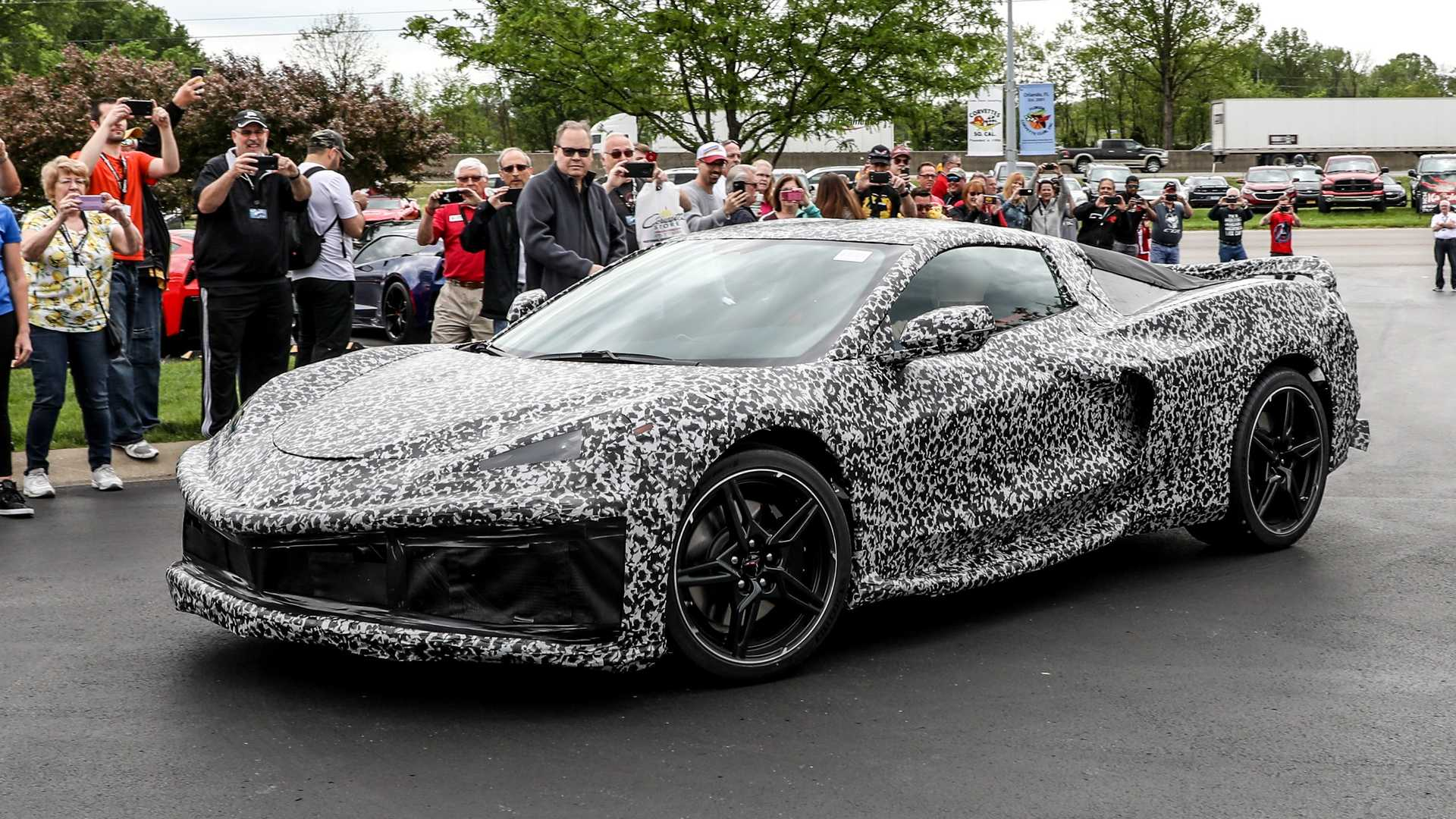 Chevy breaks down 2020 C8 Corvette teaser with another ...
