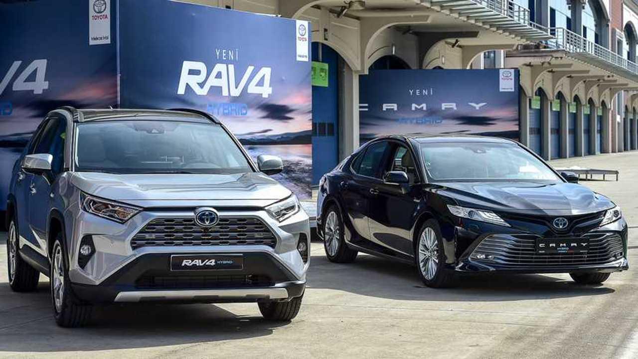 2019 Toyota Camry Hybrid / Toyota RAV4 Hybrid