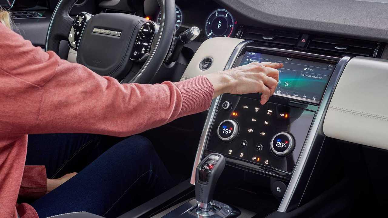 2020 Land Rover Discovery Sport Debuts High-Tech Overhaul