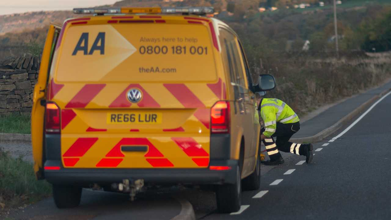 AA repair van and mechanic at the side of the road in Sheffield