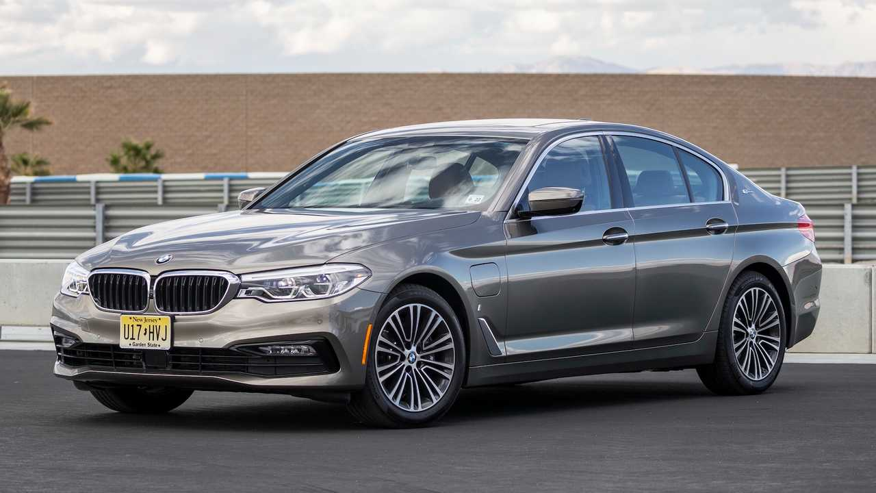 Luxury Car: BMW 530e iPerformance