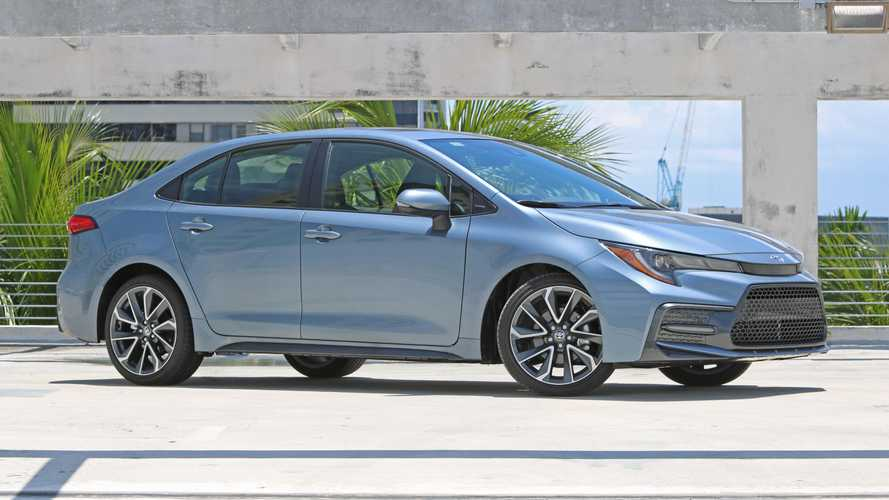 Toyota registra Corolla XSE com a frente norte-americana no Brasil