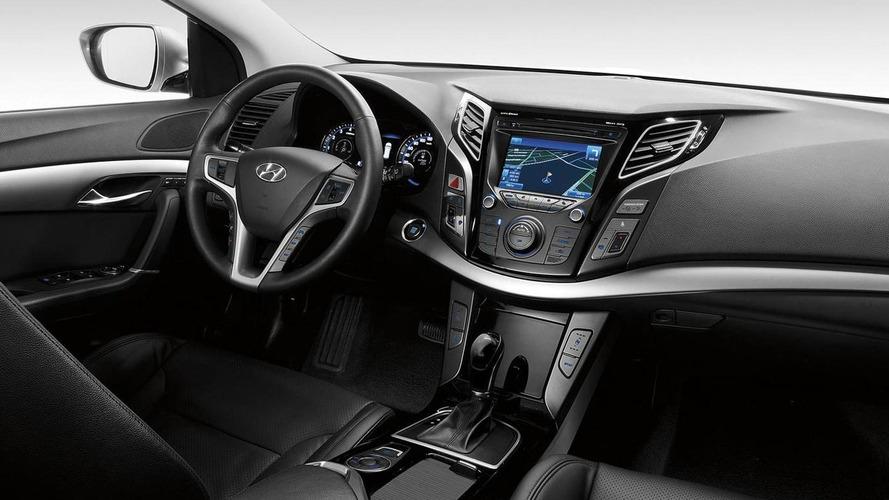 Hyundai teases i40 interior