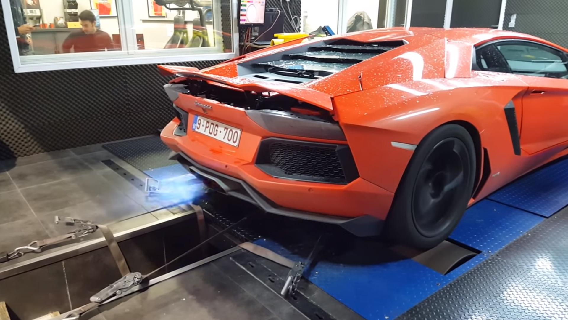 Vidéo Une Lamborghini Aventador Poussée Aux Limites Sur Le Banc D