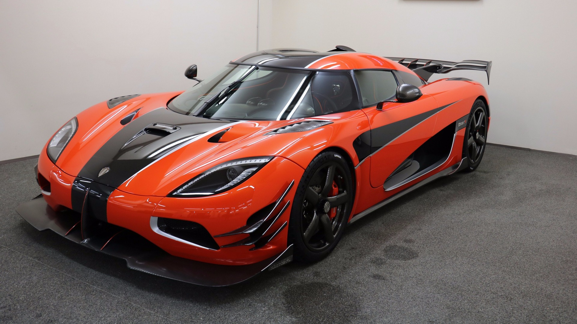 Koenigsegg One 1 >> Ultra Rare Koenigsegg Agera One Of 1 Comes Up For Sale