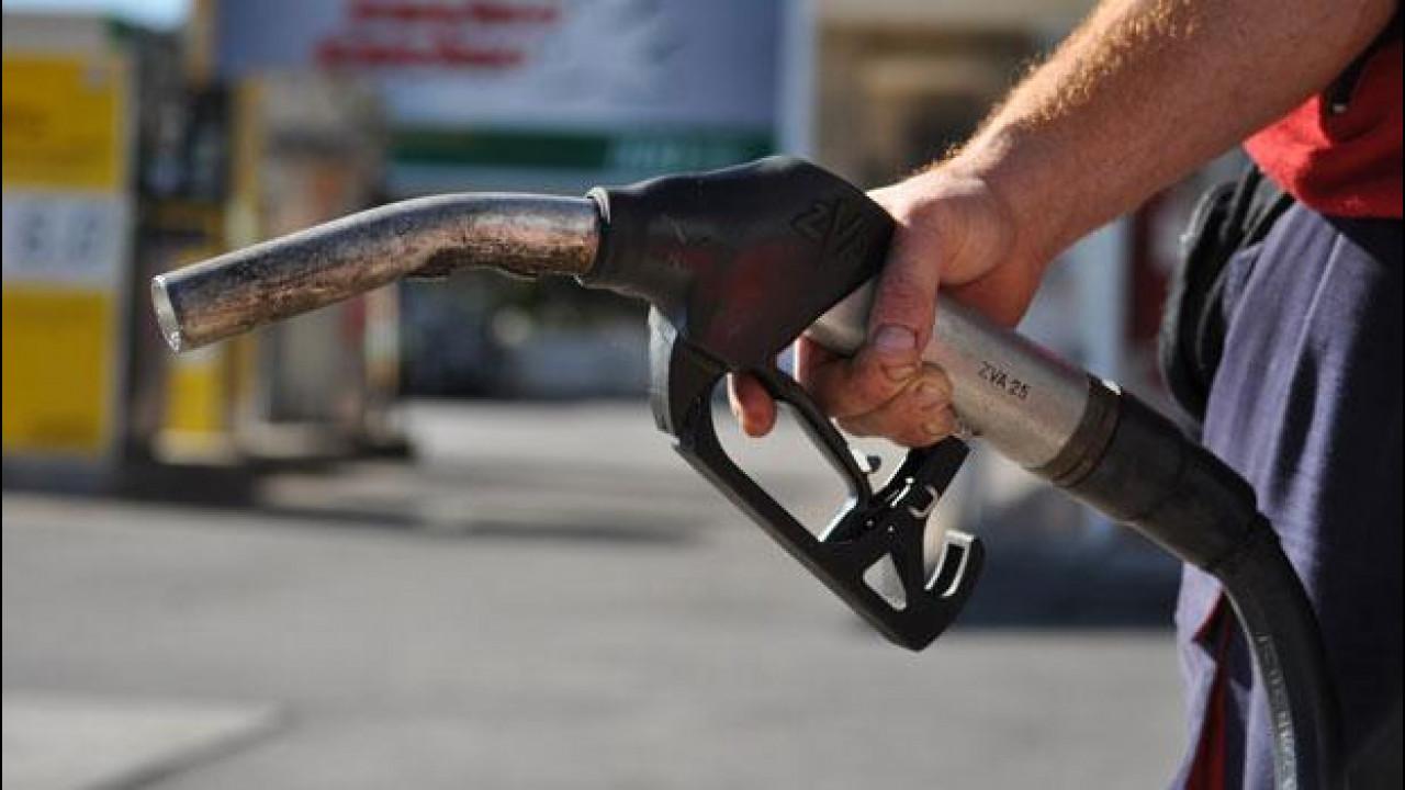 [Copertina] - ACI, sciopero della benzina: ha aderito 1 automobilista su 3