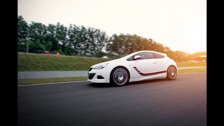 """L'Opel Astra GTC diventa """"esclusiva"""""""
