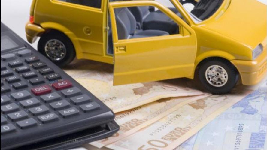 Rc auto, chi viaggia senza può ottenere il doppio sconto sulla multa